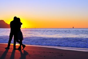 lovebeachcouple_small